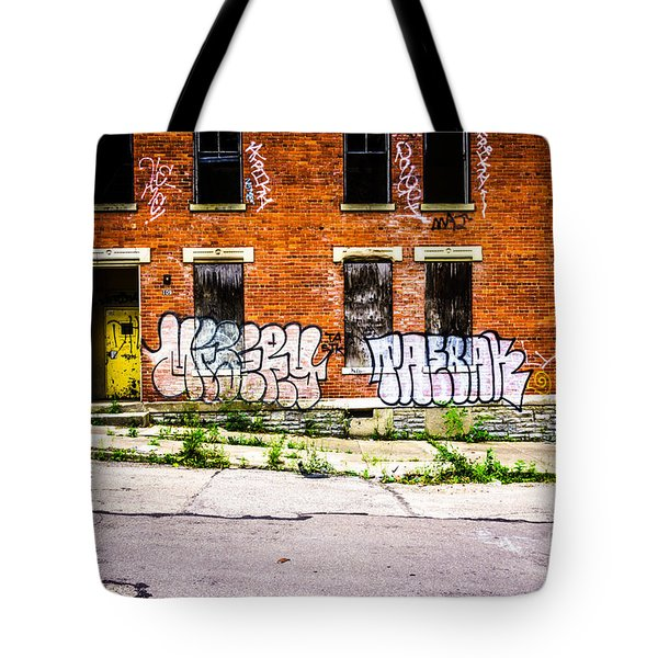 Cincinnati Glencoe Auburn Place Graffiti Photo Tote Bag by Paul Velgos