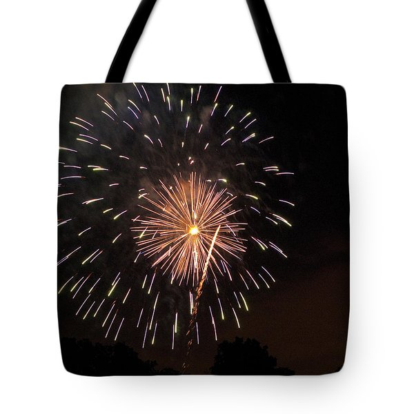 Detroit Area Fireworks -10 Tote Bag by Paul Cannon