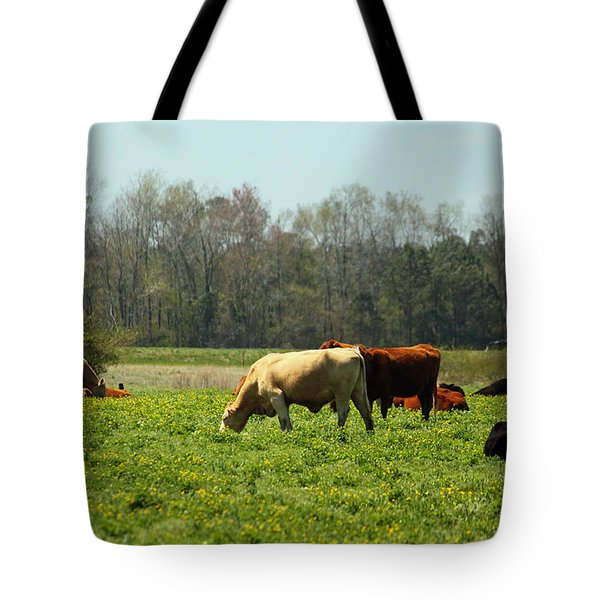 Doin What Comes Naturally Tote Bag by Suzanne Gaff