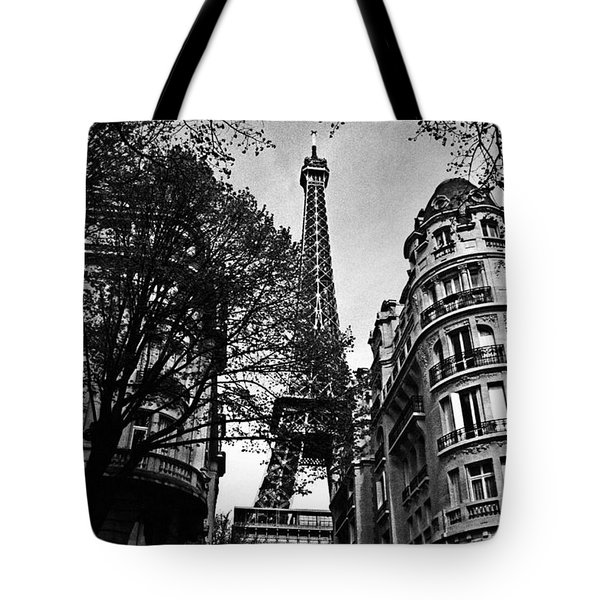 Eiffel Tower Black And White Tote Bag by Andrew Fare