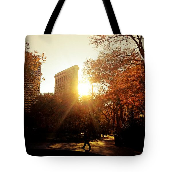 Flatiron Building Sunset - Madison Square Park Tote Bag by Vivienne Gucwa