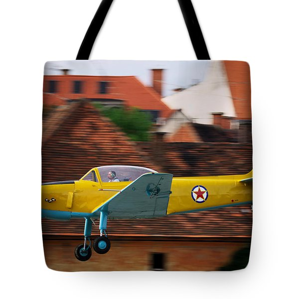 Flying Low Tote Bag by Ivan Slosar