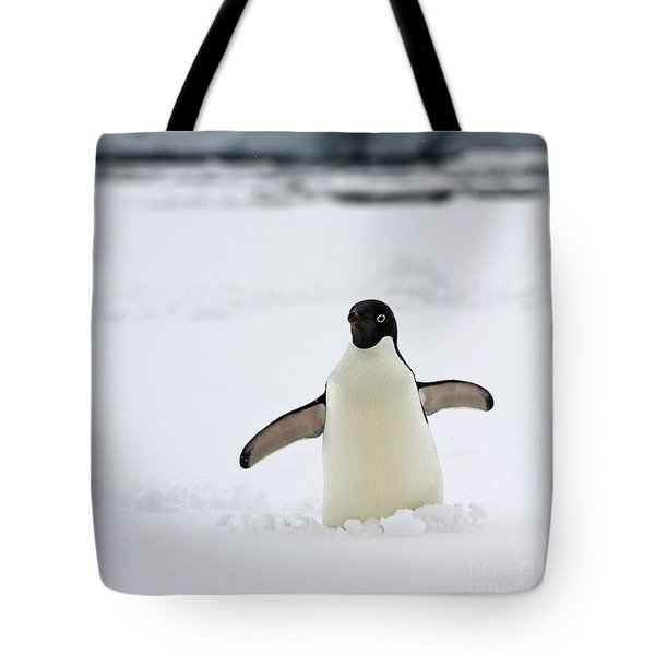 Free Hugs... Tote Bag by Nina Stavlund
