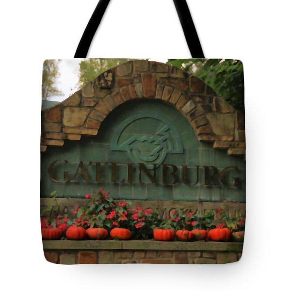 Galinburg In Autumn Tote Bag by Dan Sproul