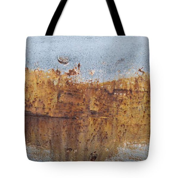 Geese Flying In Tote Bag by Jani Freimann