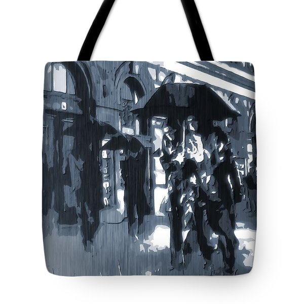 Gloomy Day In The City Tote Bag by Dan Sproul