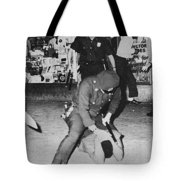 Harlem Race Riots Tote Bag by Underwood Archives