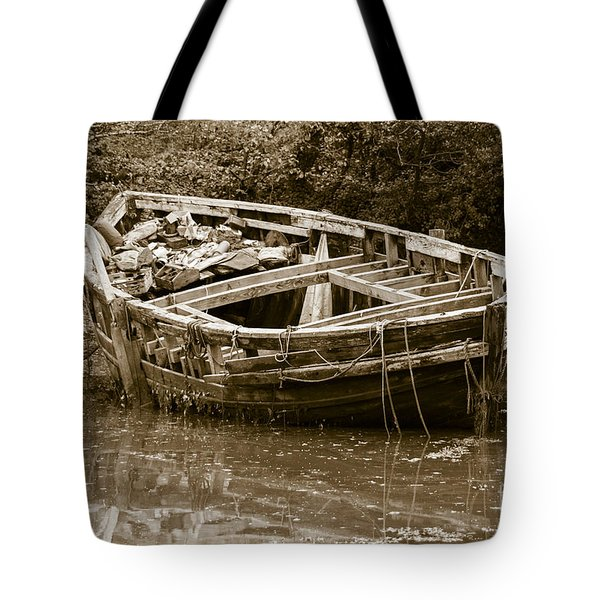 I Need A Couple Of Planks Tote Bag by Brian Roscorla