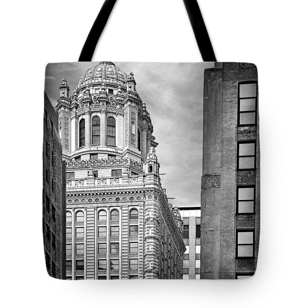 Jewelers' Building - 35 East Wacker Chicago Tote Bag by Christine Till