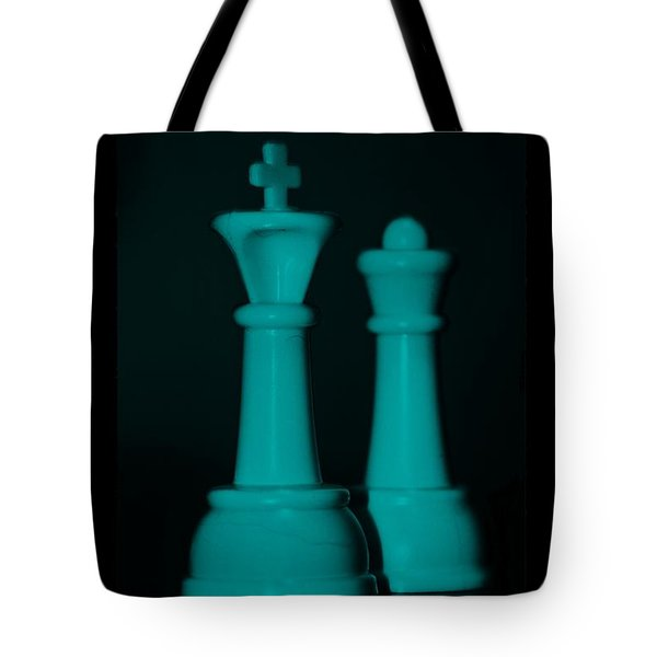 King And Queen In Turquois Tote Bag by Rob Hans