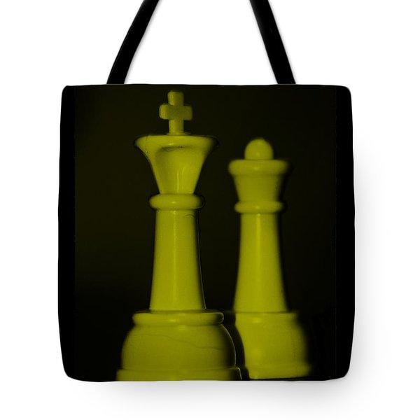 King And Queen In Yellow Tote Bag by Rob Hans