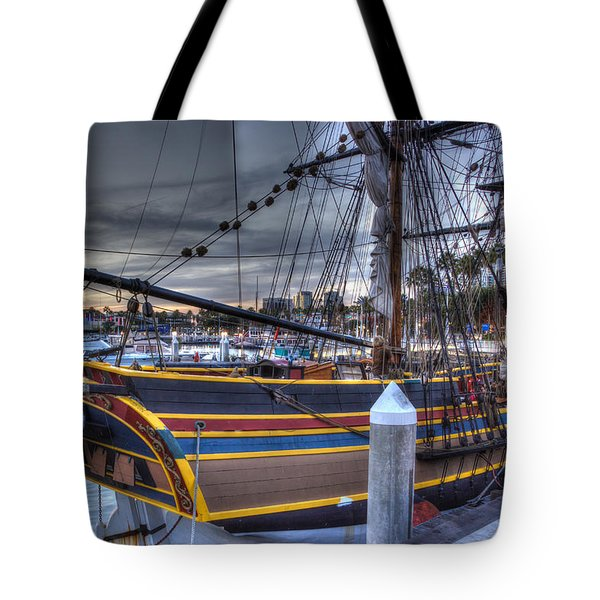 Lady Washington Tote Bag by Heidi Smith