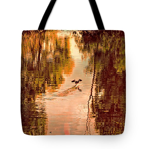 Landing Duck Absrtact Tote Bag by Leif Sohlman