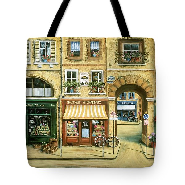 Les Rues De Paris Tote Bag by Marilyn Dunlap