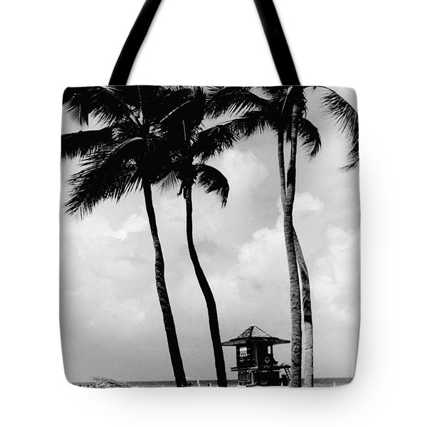 Lifeguard Hut Tote Bag by Gary Gingrich Galleries