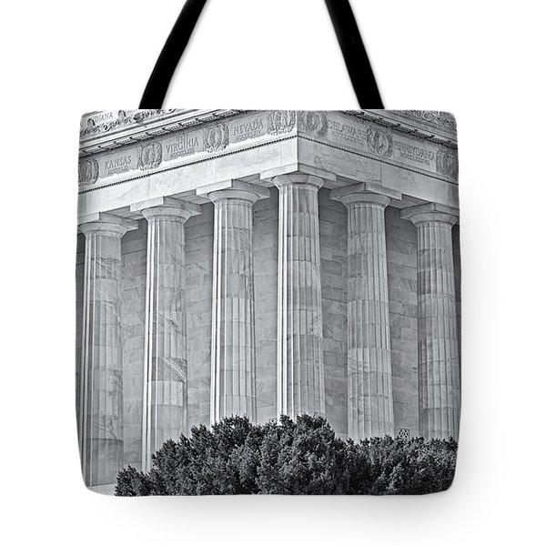 Lincoln Memorial Pillars Bw Tote Bag by Susan Candelario