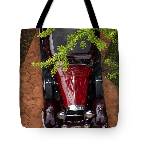 Lincoln Town Car Tote Bag by Thomas Woolworth