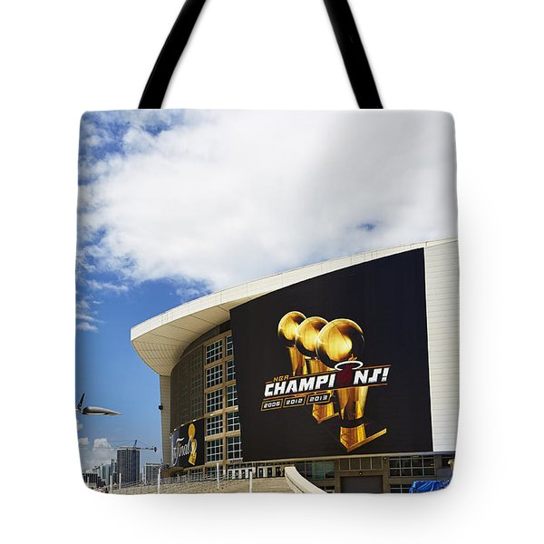 Miami Heat Home Tote Bag by Eyzen Medina