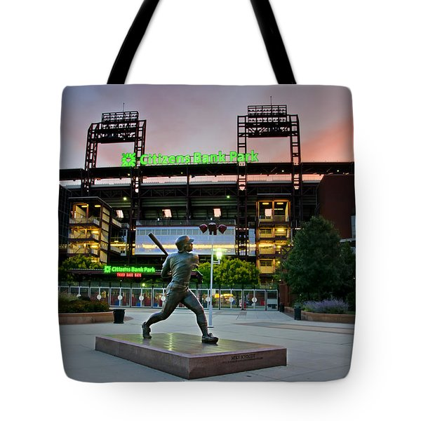 Mike Schmidt Statue At Dawn Tote Bag by Bill Cannon