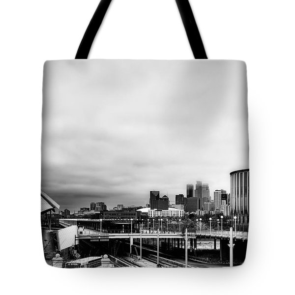 Minneapolis From The University Of Minnesota Tote Bag by Tom Gort