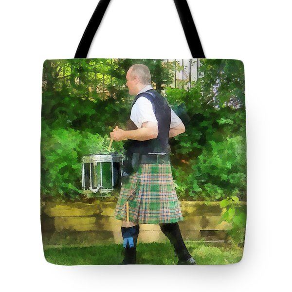 Music - Drummer In Pipe Band Tote Bag by Susan Savad