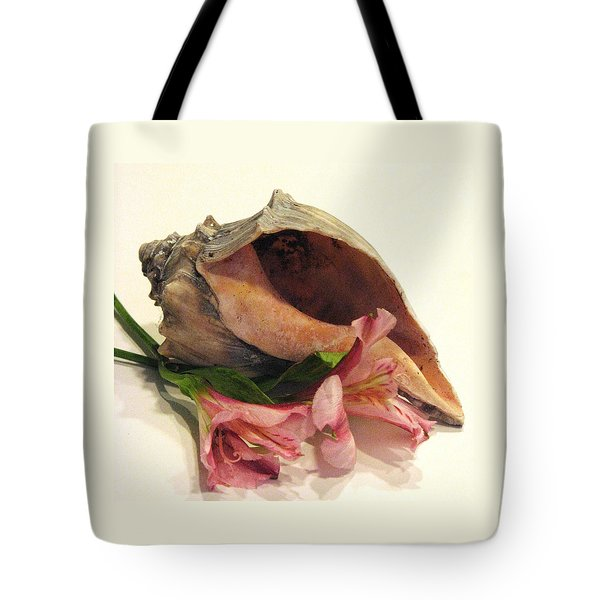 My Heart Is At The Beach Tote Bag by Angela Davies