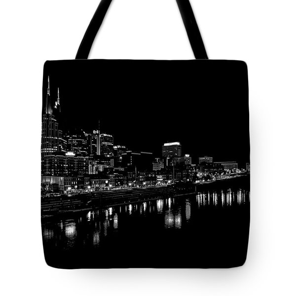 Nashville Skyline At Night In Black And White Tote Bag by Dan Sproul