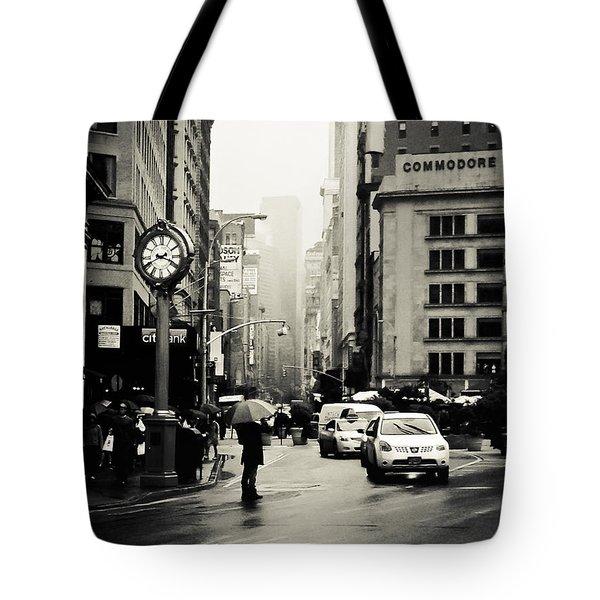 New York City - Rain - 5th Avenue Tote Bag by Vivienne Gucwa