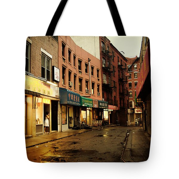 New York City - Rainy Afternoon - Doyers Street Tote Bag by Vivienne Gucwa
