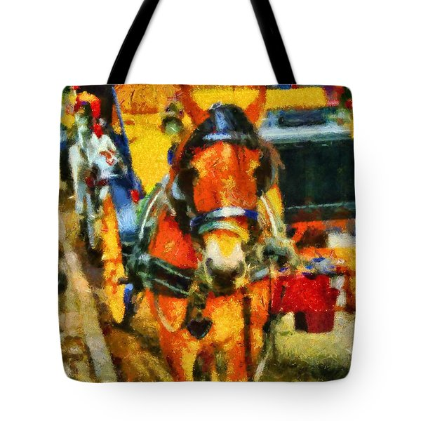 New York Horse And Carriage Tote Bag by Dan Sproul