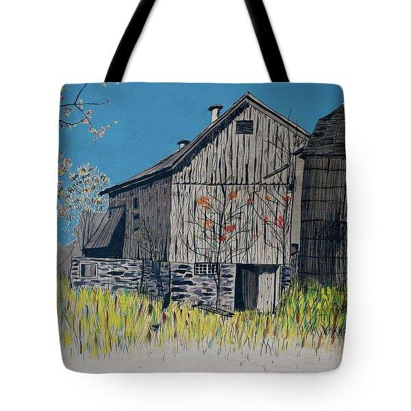 Old Barn Tote Bag by Linda Simon