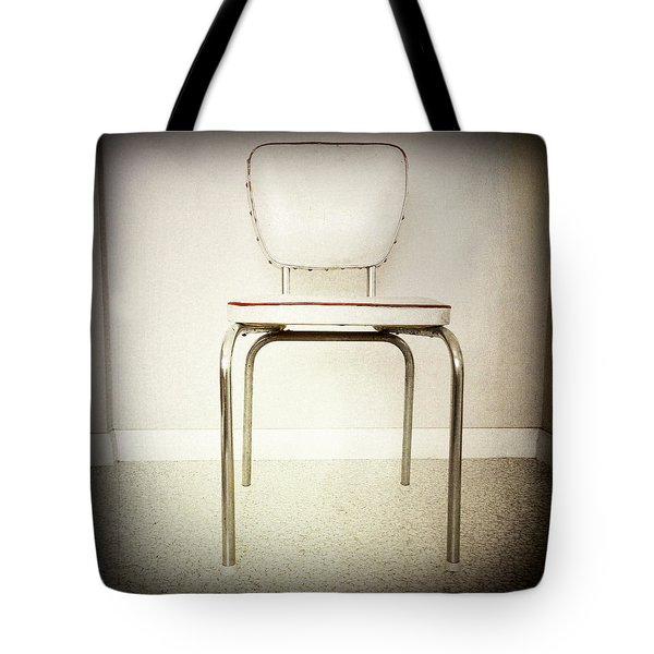 Old Chair Tote Bag by Les Cunliffe