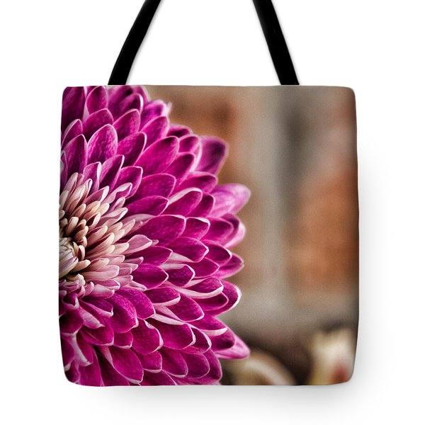 Pink Mum Tote Bag by Lana Trussell