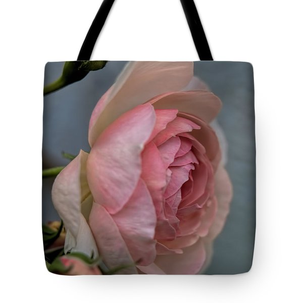 Pink Rose Tote Bag by Leif Sohlman
