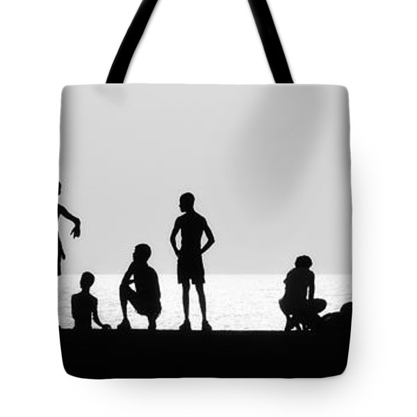 Posing Tote Bag by Erik Brede