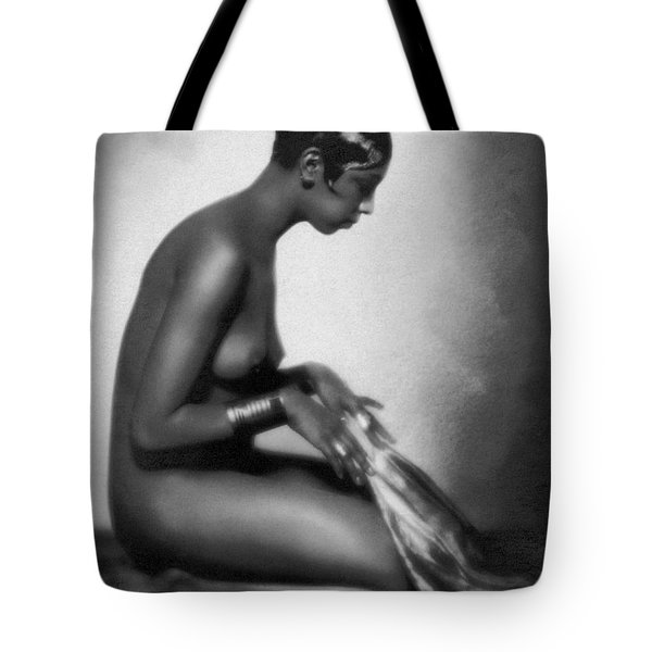 Profile Of Josephine Baker Tote Bag by Underwood Archives