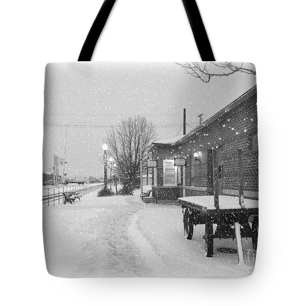 Prosser Winter Train Station  Tote Bag by Carol Groenen