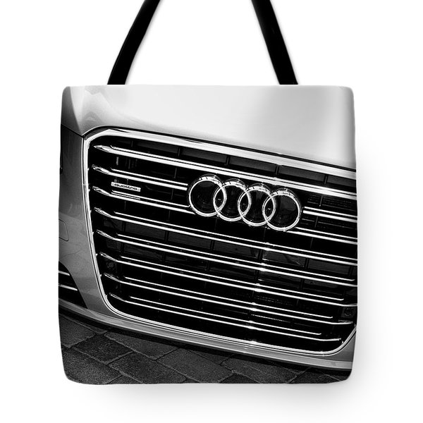 QUATTRO Palm Springs Tote Bag by William Dey