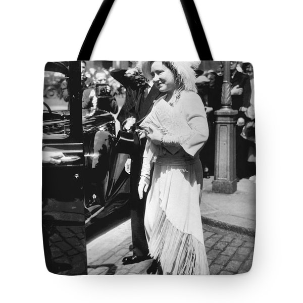 Queen Elizabeth Fashion Tote Bag by Underwood Archives