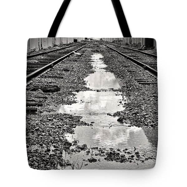 Railroad 5715bw Tote Bag by Rudy Umans