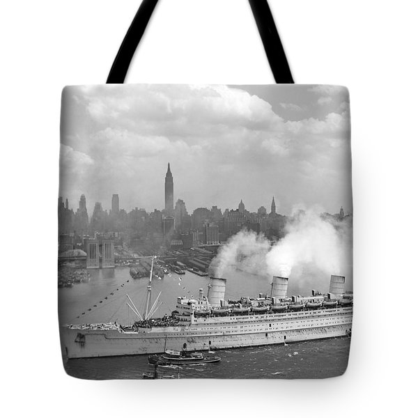 Rms Queen Mary Arriving In New York Harbor Tote Bag by War Is Hell Store