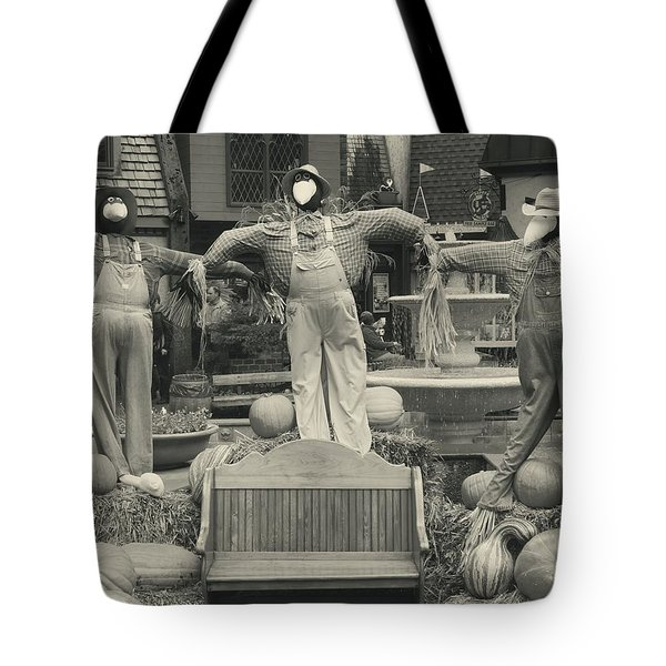 Scarecrows In Autumn Gatlinburg Tennessee Tote Bag by Dan Sproul
