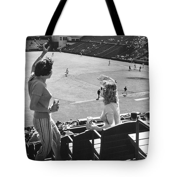 Sf Giants Fans Cheer Tote Bag by Underwood Archives