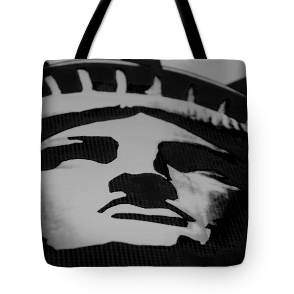Statue Of Liberty In Black And White Tote Bag by Rob Hans