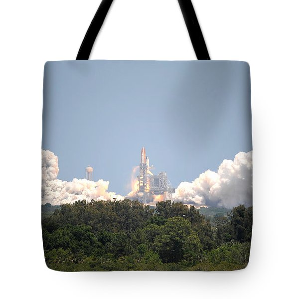Tote Bag featuring the photograph Sts-132, Space Shuttle Atlantis Launch by Science Source