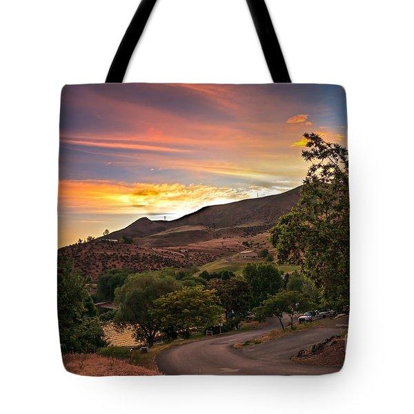 Sunrise At Woodhead Park Tote Bag by Robert Bales