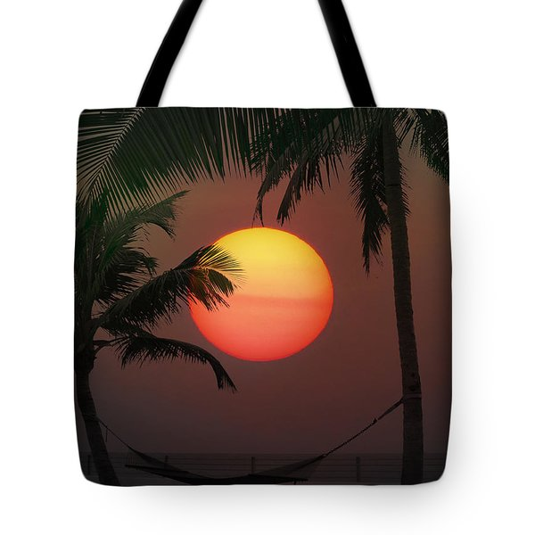 Sunset In The Keys Tote Bag by Bill Cannon