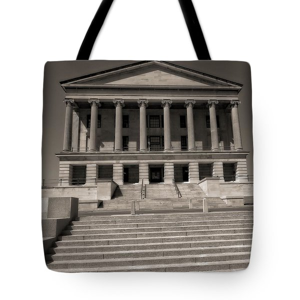Tennessee Capitol Building Tote Bag by Dan Sproul