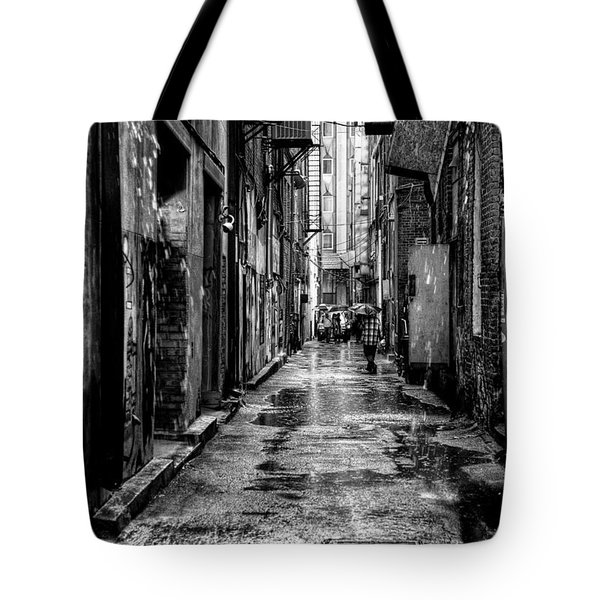 The Alleyway In Market Square - Knoxville Tennesse Tote Bag by David Patterson