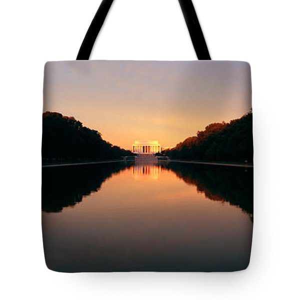 The Lincoln Memorial At Sunset Tote Bag by Panoramic Images